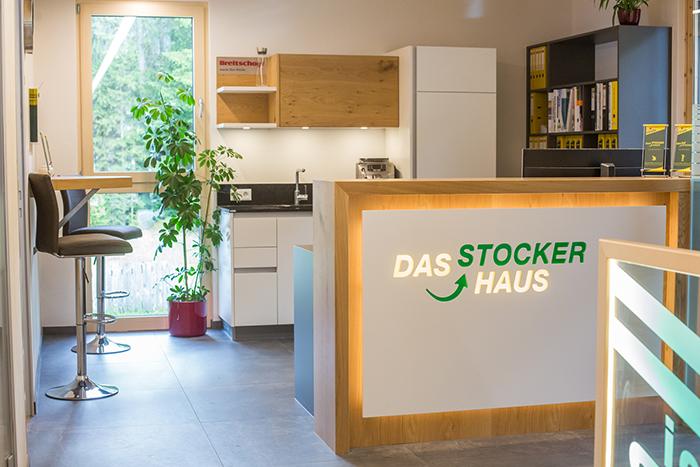 stocker_8